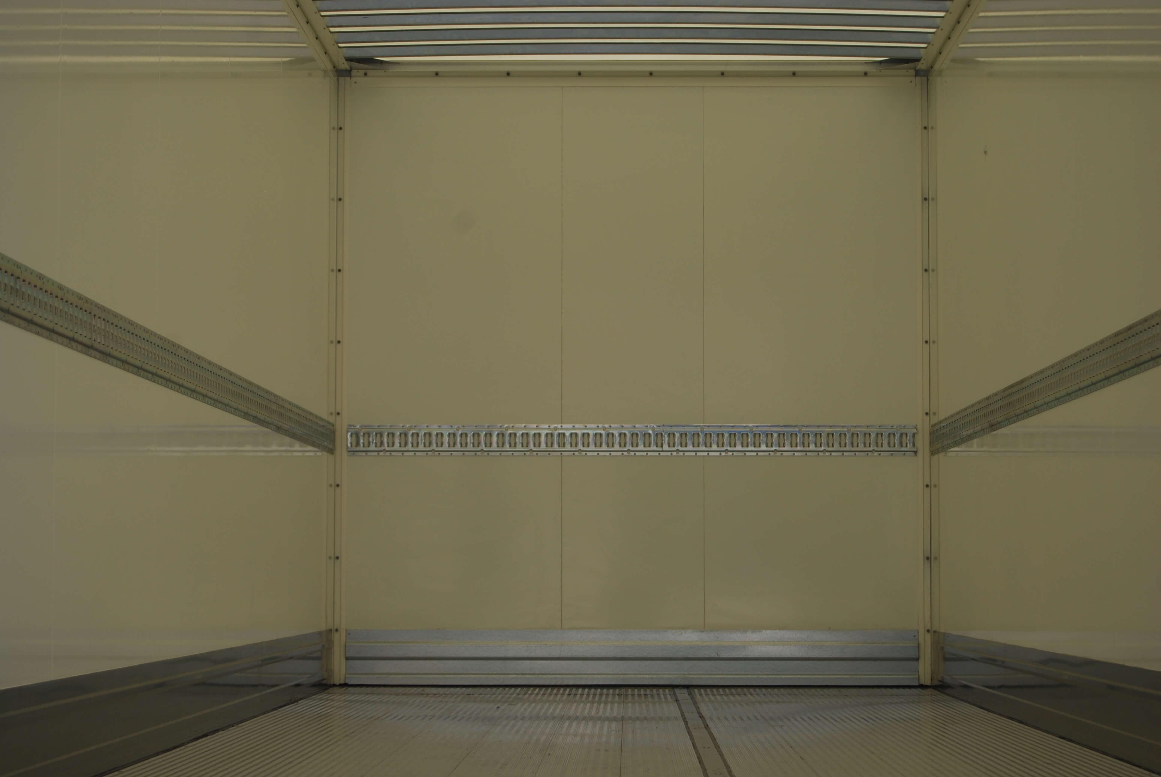 allestimento personalizzato furgone medio 01