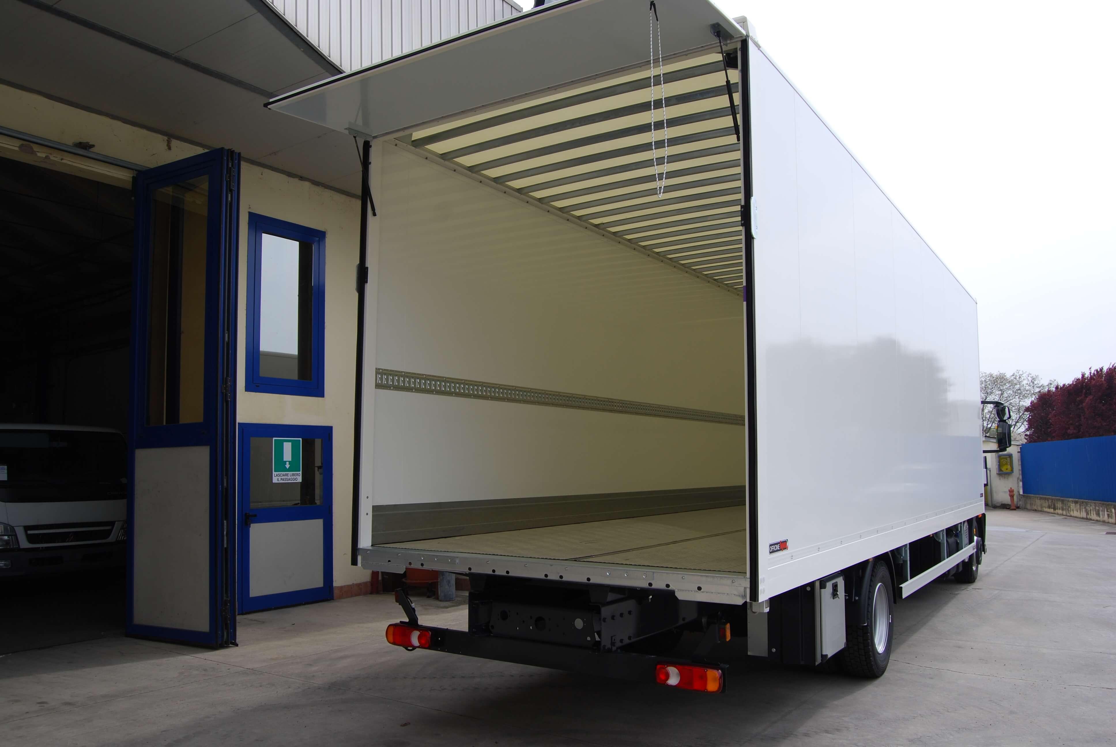 allestimento personalizzato furgone medio 02