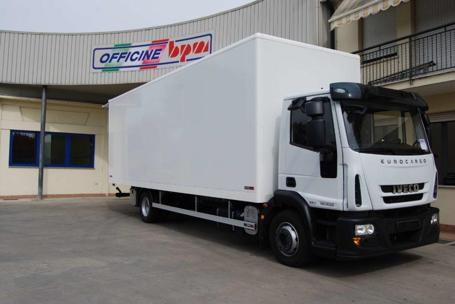 allestimento-personalizzato-furgone-medio