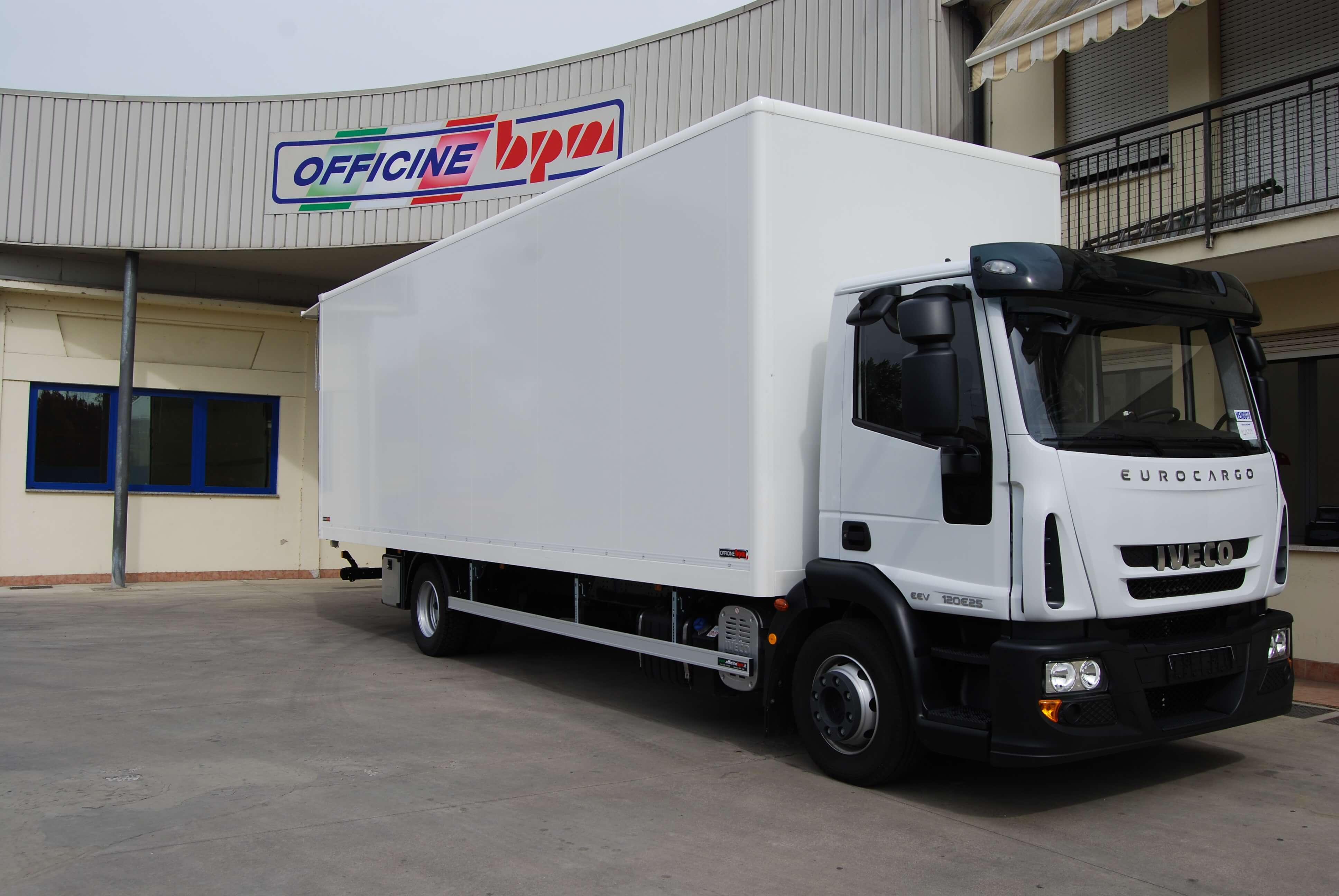 allestimento personalizzato furgone medio