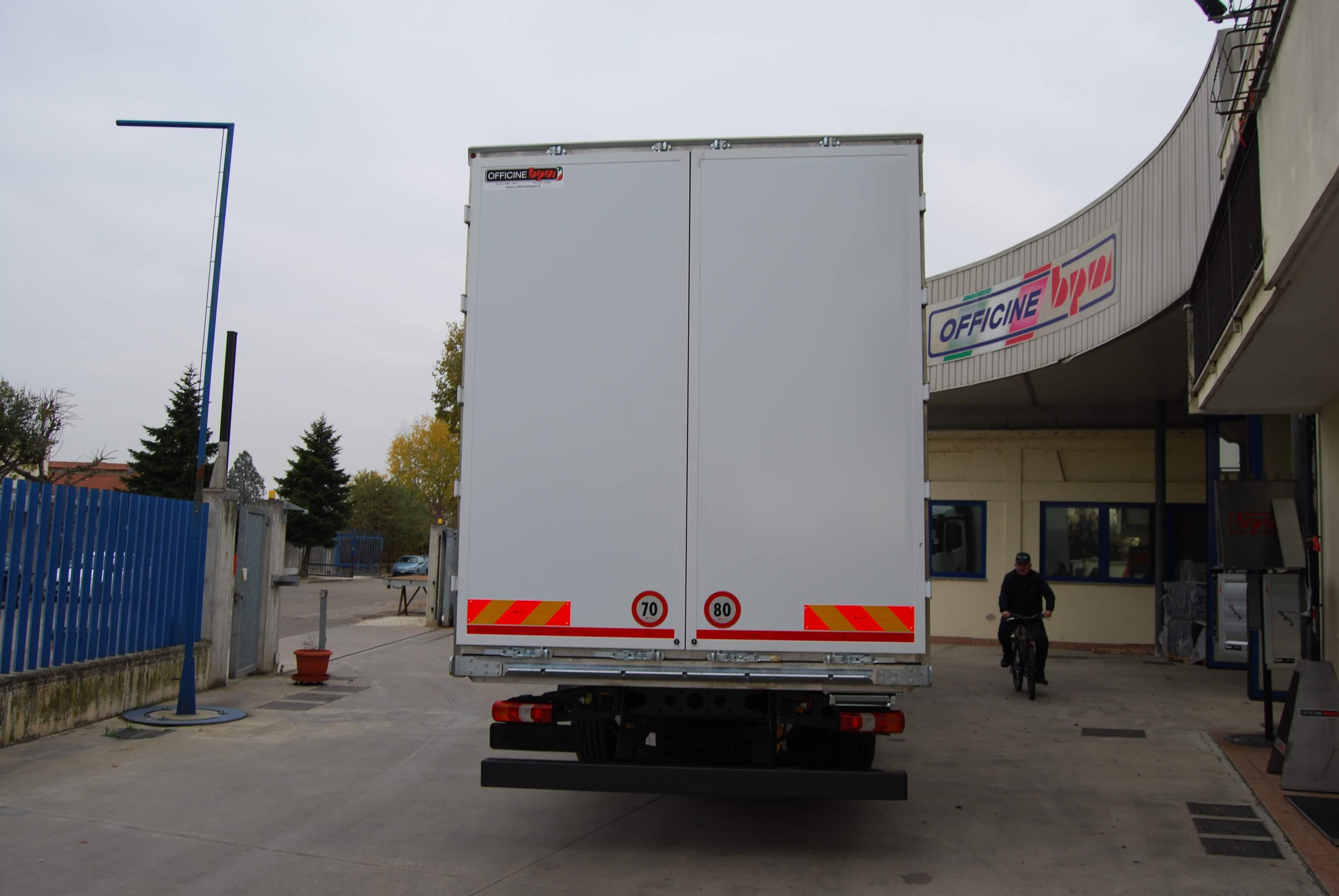 allestimento personalizzato furgone pesante 01