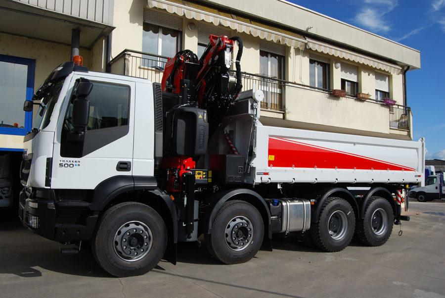 cassoni-ribaltabili_con-gru_pesante_iveco-trakker-ad-410-t45-p
